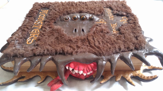 Livro Monstruoso Dos Monstros Artesanal - Harry Potter