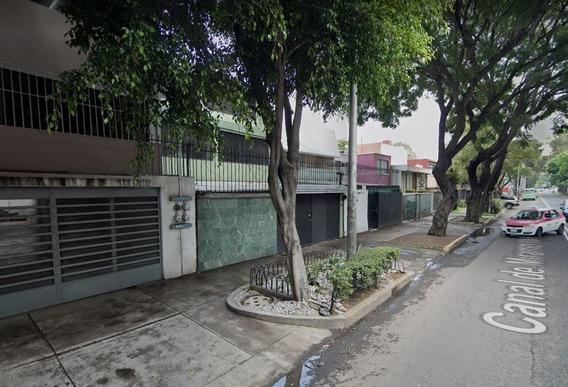 Mm Venta De Casa En La Colonia Educacion, Coyoacan, Cdmx