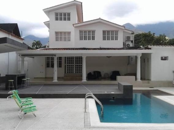 Casa En Venta Urbanizacion El Castaño Maracay Cod.20-7923