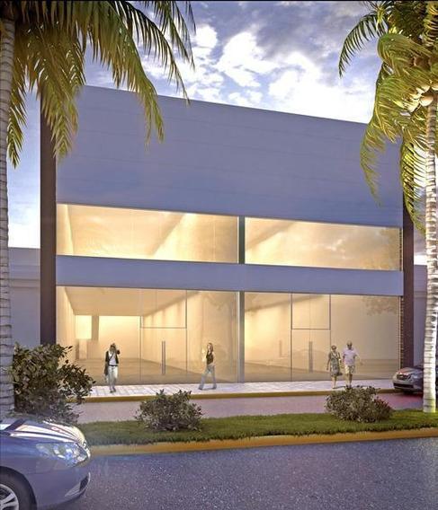 Local Comercial En Alquiler En Av Rocca, Centro Campana. 645 M2 En Dos Plantas.