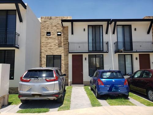 Imagen 1 de 14 de Hermosa Casa En Renta, Fracc. Puerta De Piedra