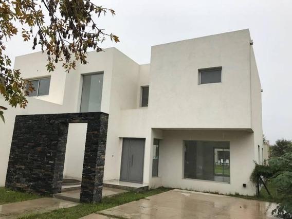 La Comarca Casa-venta 4 Ambientes Barrio Cerrado En Corredor Bancalari