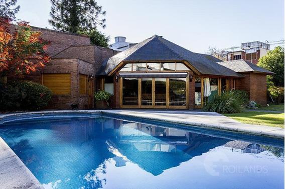 Casa En Venta 8 Ambientes, Parque, Piscina Y Quincho Completo, Villa Sarmiento