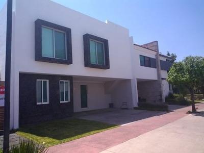 Casa En Venta En Frac. Solares