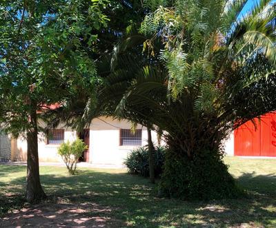 Casa Con Galpon Y Amplio Parque