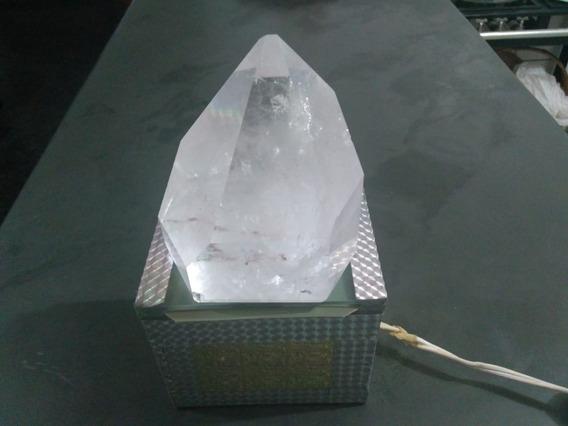 Cristal Natural 1,100kg - Muda De Cor Na Luz