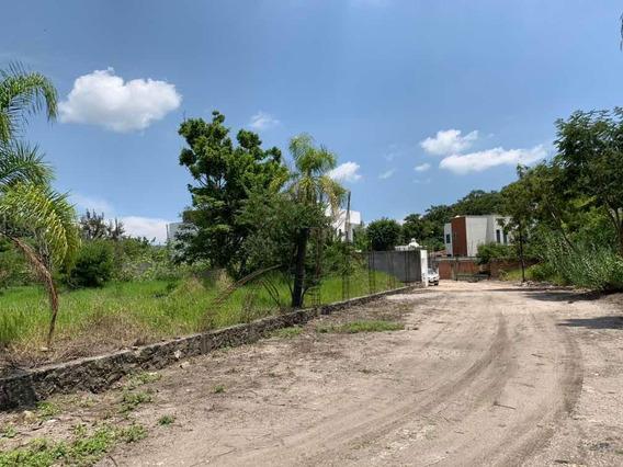 Terreno En Privada De 500 Metros Cuadrados, En Esquina, Mano