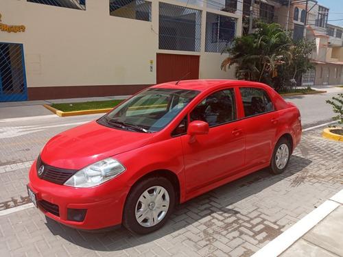 Imagen 1 de 8 de Nissan Tiida 2013