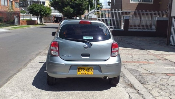 Nissan March 2012 Full Equipo