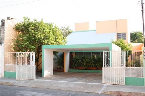 Casa Amueblada En Merida Zona Centro De 4 Habitaciones
