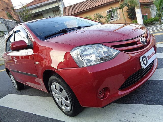 Toyota Etios 1.3 Xs 16v 2013 - F7 Veículos
