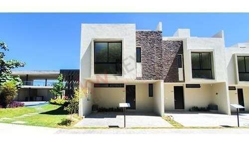 Casa En Venta En Coto Zoi Boreales Residencial Modelo Ceos