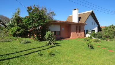 Dos Casas A 50 Metros De La Playa De La Aguada, En La Paloma