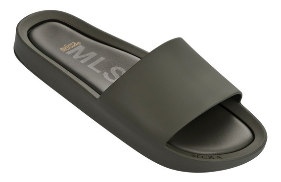 Melissa Beach Slide 31754