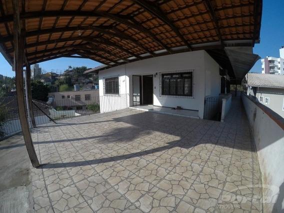 Casa Na Velha Com 4 Dormitórios Sendo 1 Suíte, 2 Garagens. - 3572108
