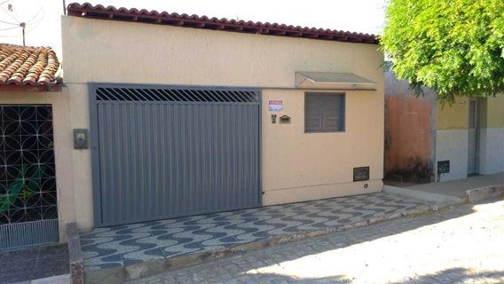 Casa Com 2 Quartos,(1suíte) 2 Banheiros, Copa E Cozinha....