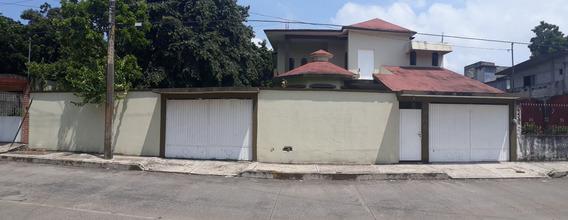 Casa En Venta En Colonia Granja Catemaco, Veracruz