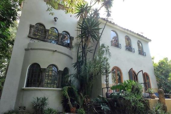 Bonita Casa Estilo Californiano