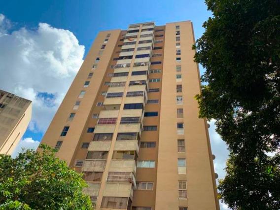 Apartamento En Venta Mls # 20-12424
