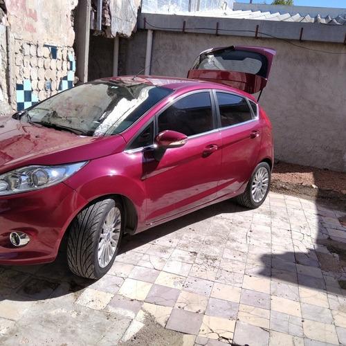 Ford Fiesta Kinetic Design 1.4 Tdci Titanium 2014