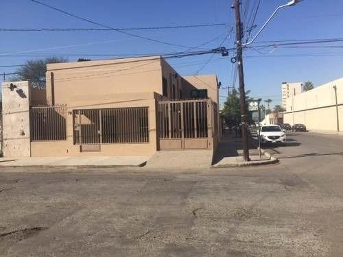 Renta De Edificio Adaptado Para Oficinas Con Departamento Pequeño En Hermosillo