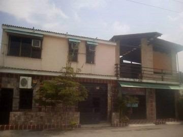 Casa En Venta En Santa Rosa, Valencia, Carabobo, 18-77001