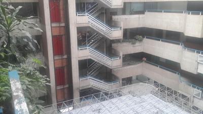 Comercial En Alquiler Centro Barquisimeto 19-652mz