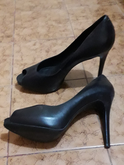 Sapato Peep Toe Arezzo