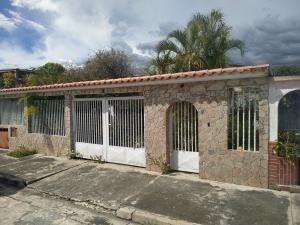 Casa En Venta Villas Del Centro Valencia Carabobo 20-77 Rahv