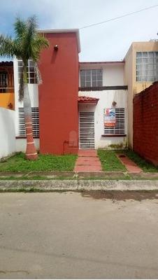 Casa Sola En Venta En Paseo Del Valle Real, Tepic, Nayarit