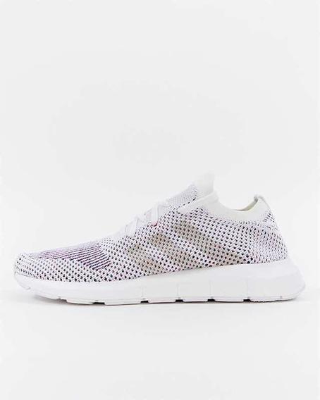 Sólo comprarlo Adidas Originals Swift Run BlancasNegras
