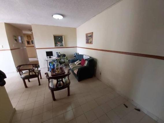 Apartamento En Venta Del Este Lara 20-709 Ds