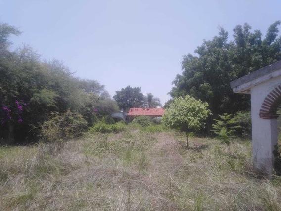 Terraza, Solo Cuenta Con 2 Baños Se Vende Como Terreno