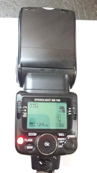 Flash Sb700 Sem Acessorios