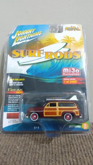 Johnny Lightning 1950 Mercury Woody Wagon - Surf Rods 1/64