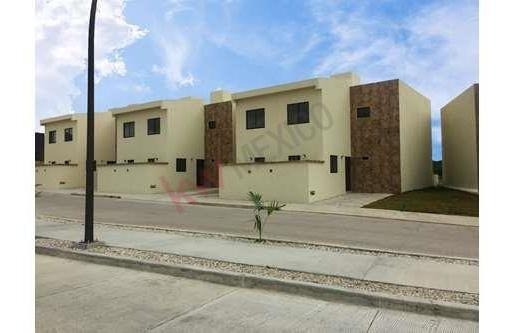 Casa En Venta En Fraccionamiento Valle Verde A Tan Solo 15 Minutos De Plaza Cristal. Modelo Jade