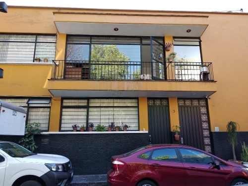 Amplia Casa Con Área Habitacional Y Área Para Eventos Independientes En Zona Turística De San Ángel,