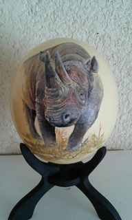 Rinoceronte, Pintura Al Óleo Sobre Huevo De Avestruz