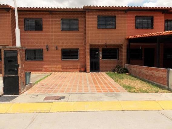 Fr 16-7082 Vende Townhouse En Villa Del Este