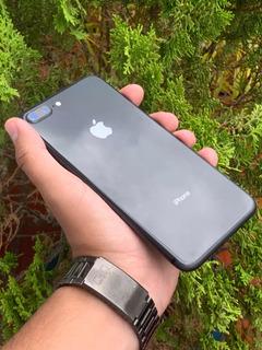 iPhone 8 Plus 64gb / Space Gray / Liberado / Solo Cargador