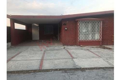 Oficinas En Renta Con Inmejorable Ubicacion En La Col Chepevera, Ideal Para Despacho De Contadores, Abogados, Dentistas, Etc