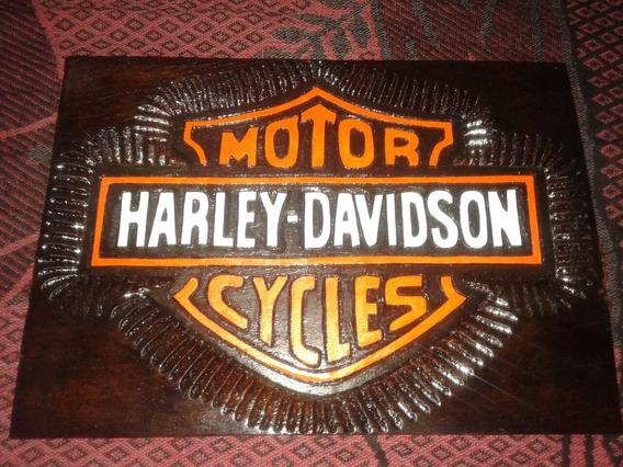 Quadro Unico Harley Em Madeira De Lei Talhado 23×32 Cm