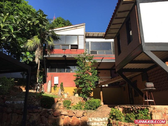 Townhouse En Venta En Puerto La Cruz. Urb. Cantaclaro