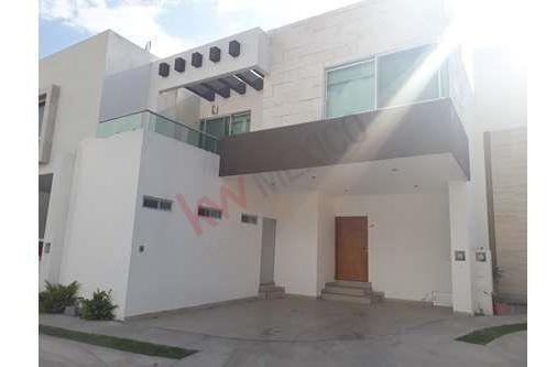 Residencia En Renta En Privada San Angel 2