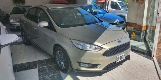 Ford Focus Se Plus ( Cuero, Mt)