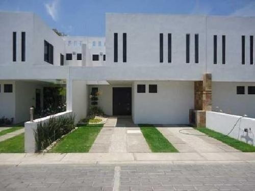 Se Renta Casa En La Carcaña San Pedro Cholula