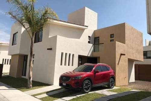 Casa En Renta De 4 Habitaciones En Puerta Real