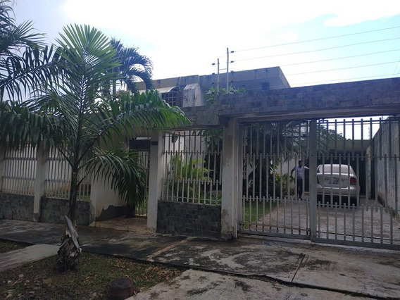 Towm House En La Trigaleña