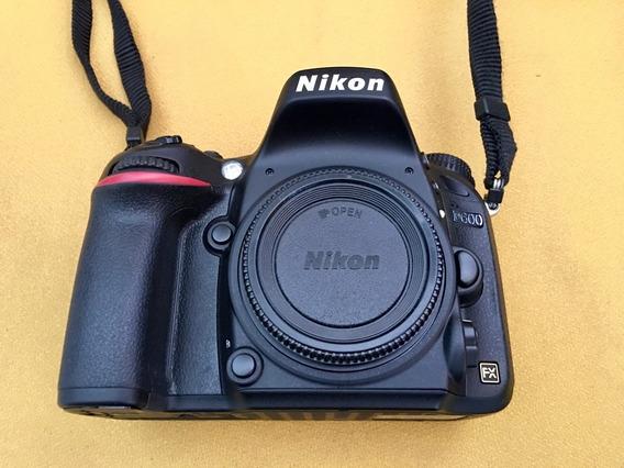 Câmera Dslr Full Frame Nikon D600 Corpo 16k Disparos + 32gb