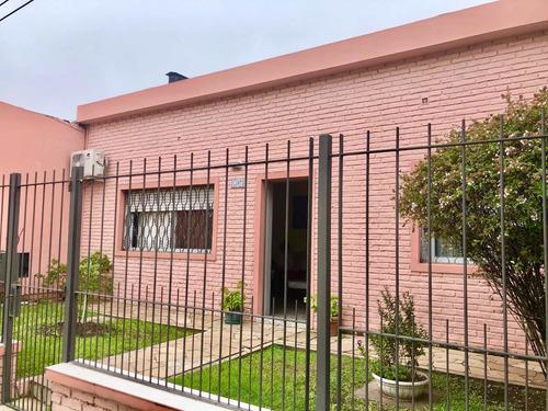 Venta Casa De 3 Dormitorios Sobre Avda. Salto.